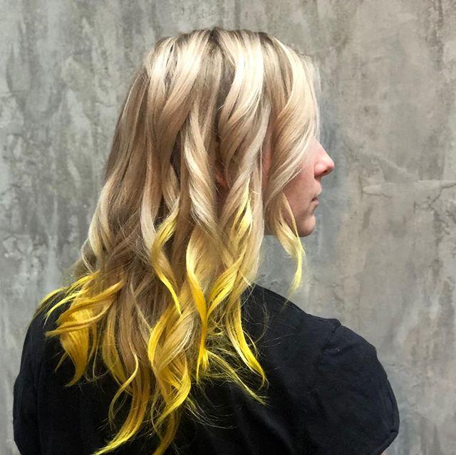 Yelllllow vibezzz Balayage // Waves @kokentheharlot + @hairbykarisandoval  #theharlotsalon