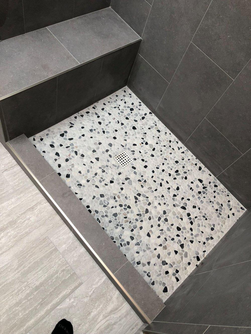 vivian bathroom.jpg