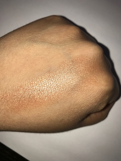 With Flash: This is a single finger swatch guys!! OMG!!