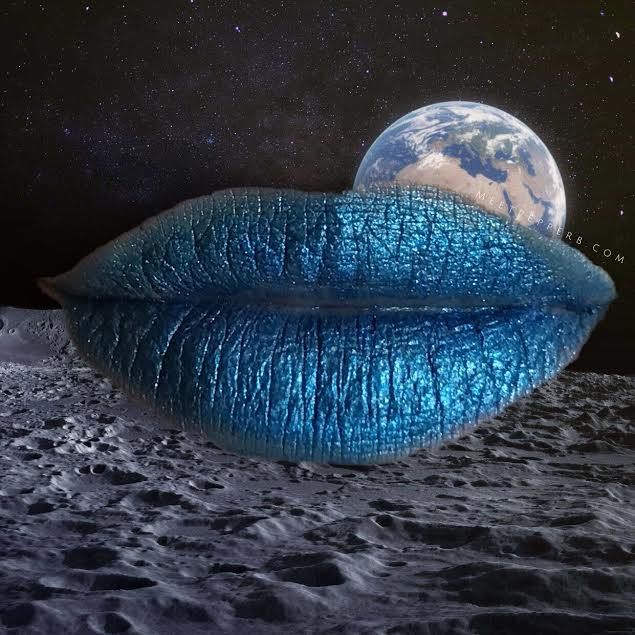 KissNYPro - Blue - Backdrop.jpg