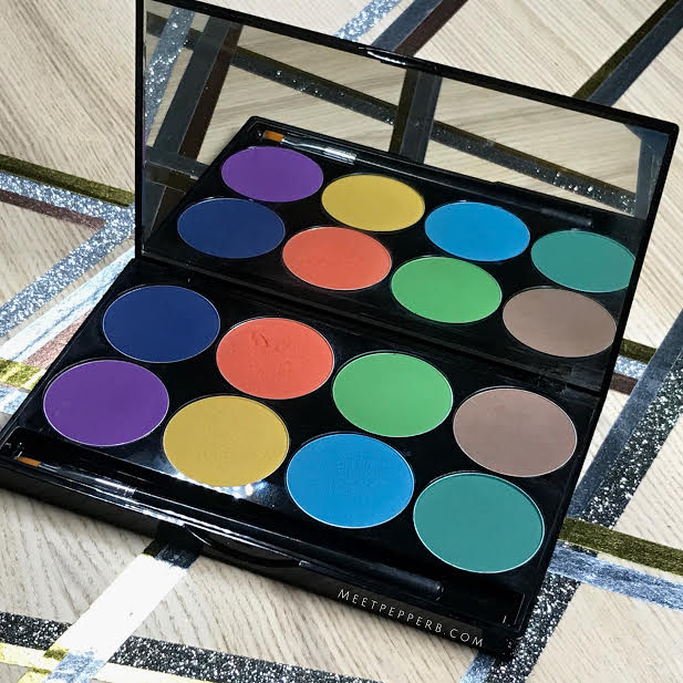 This palette is available in 3 shades   Here ⇀