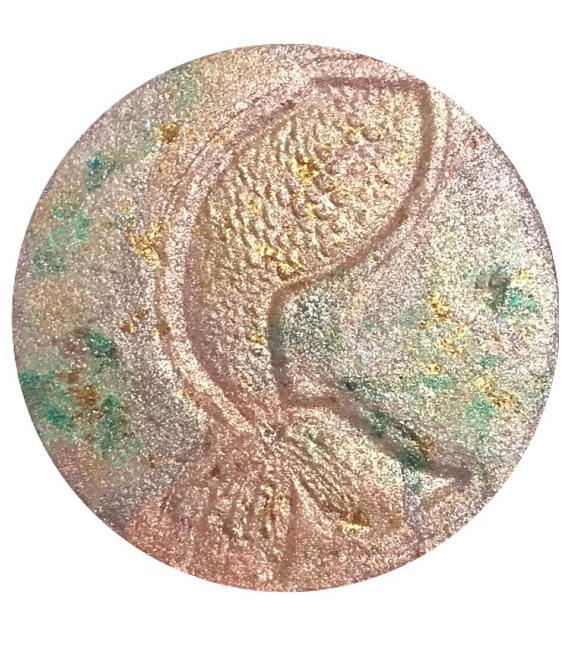 Breaking Beauty Shop   Pressed Mineral Mermaid Highlighter