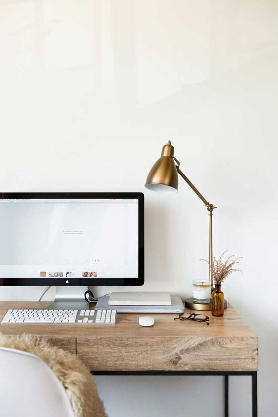minimalist office .jpg