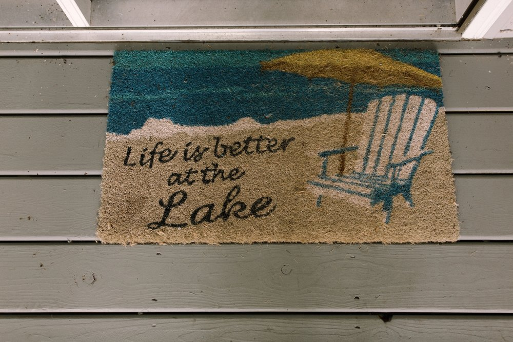 Michigan Frontyard Lake Wedding - Lauren Crawford Photography-71.jpg