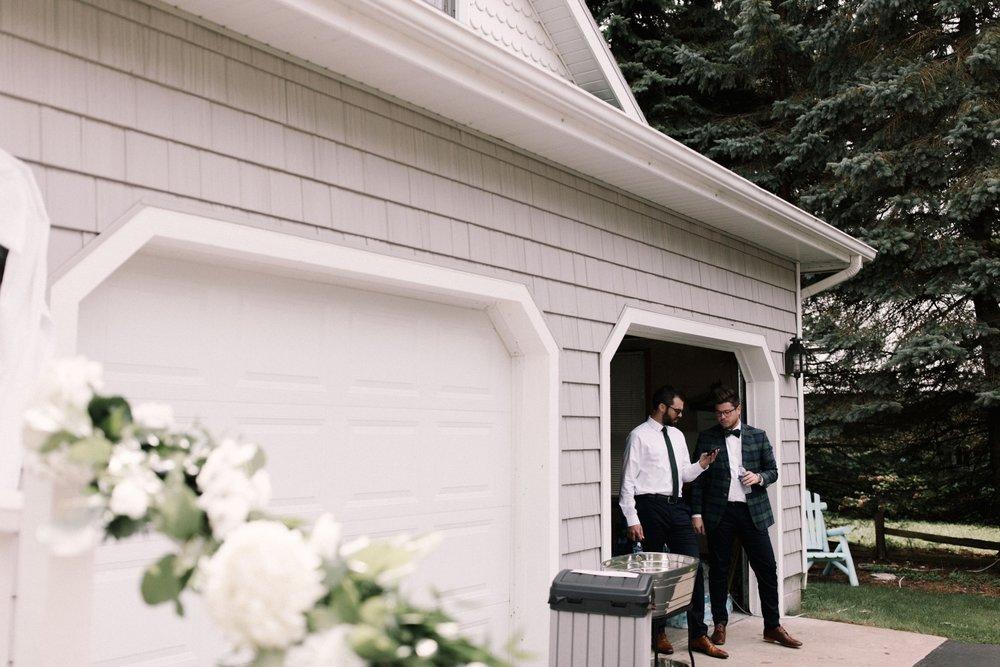 Michigan Frontyard Lake Wedding - Lauren Crawford Photography-141.jpg