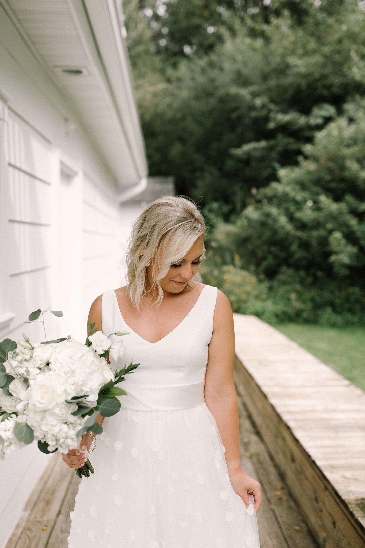 Michigan Frontyard Lake Wedding - Lauren Crawford Photography-320.jpg