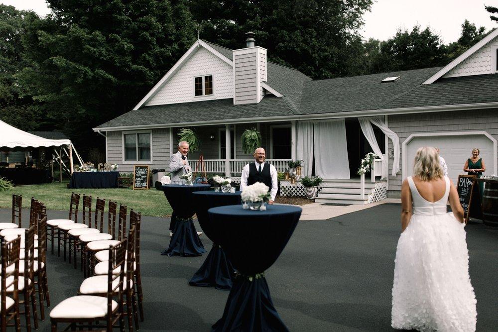 Michigan Frontyard Lake Wedding - Lauren Crawford Photography-424.jpg