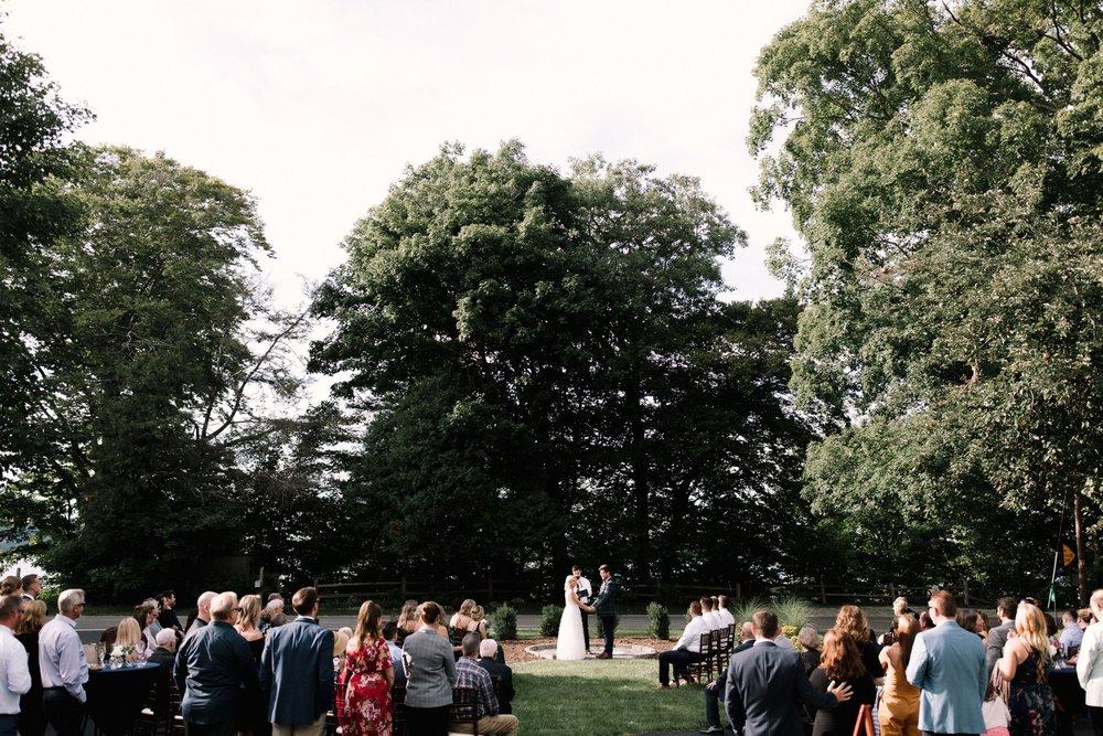 Michigan Frontyard Lake Wedding - Lauren Crawford Photography-571.jpg