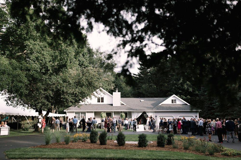 Michigan Frontyard Lake Wedding - Lauren Crawford Photography-658.jpg