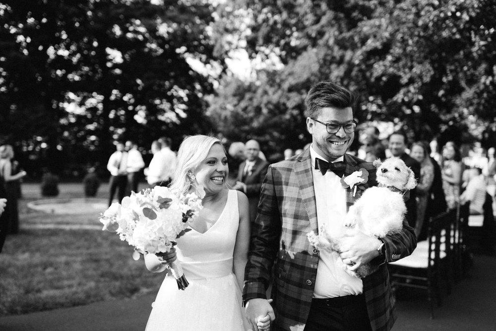 Michigan Frontyard Lake Wedding - Lauren Crawford Photography-628.jpg