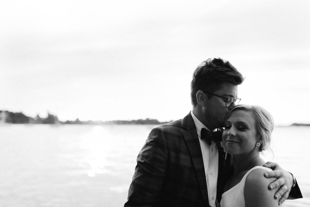 Michigan Frontyard Lake Wedding - Lauren Crawford Photography-746.jpg