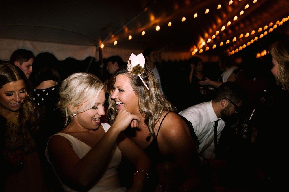 Michigan Frontyard Lake Wedding - Lauren Crawford Photography-872.jpg