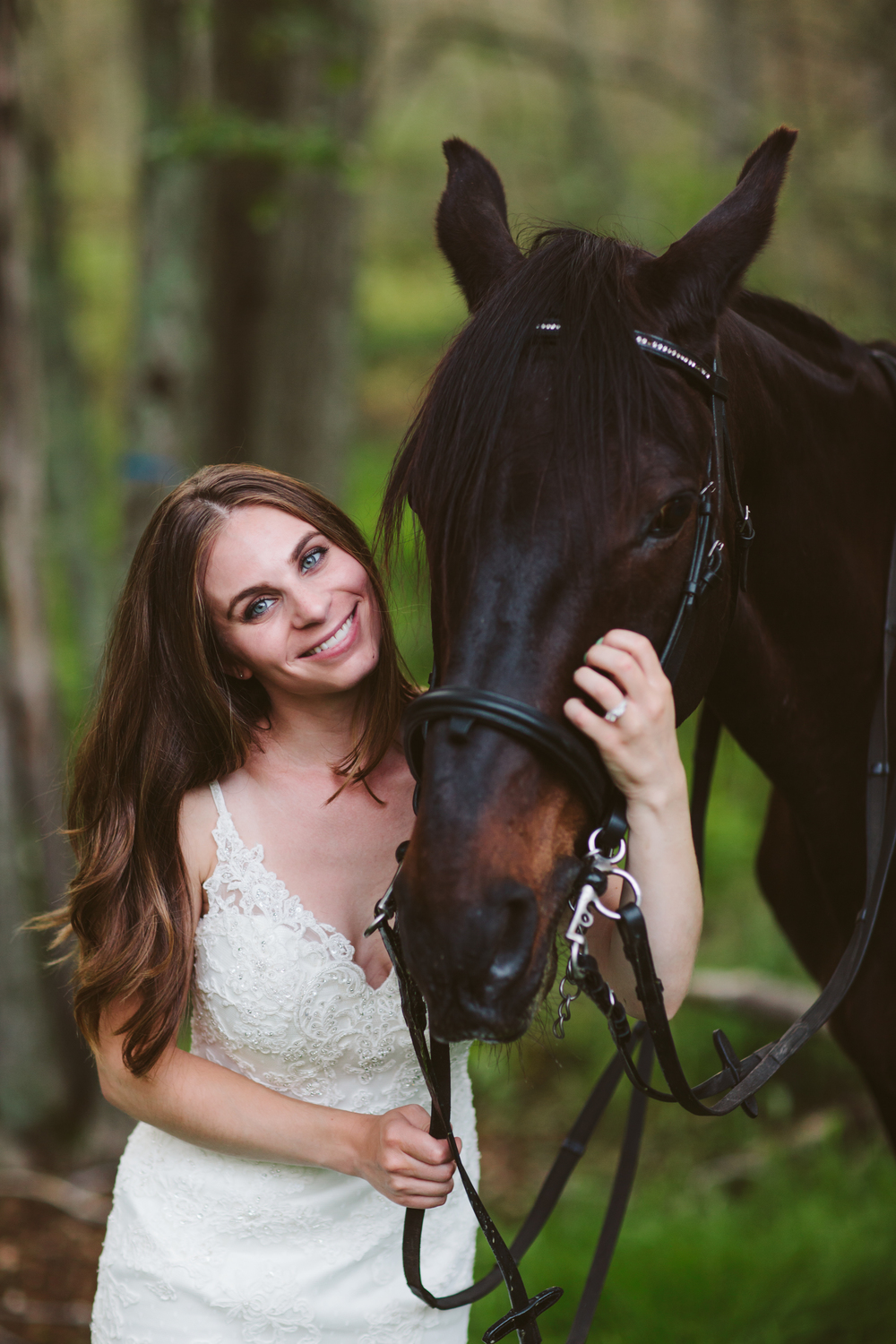 Photographybyamandamorgan-horse-wedding-bride-6.jpg