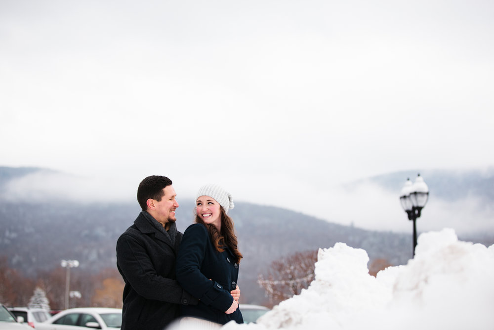 Photographybyamandamorgan_newhampshireengagement_engaged_engagementsession_february2016-09.jpg