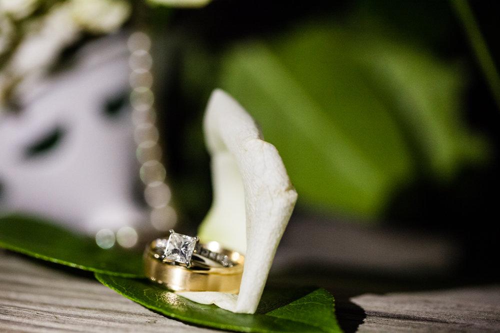 Eastons-Beach-Rotunda-Ballroom-Wedding-Newport-Rhode-Island-PhotographybyAmandaMorgan-107.jpg