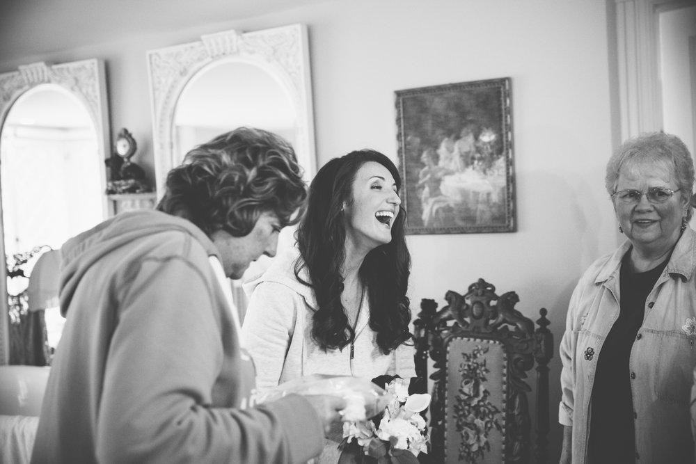 Glimmerstone-Mansion-Vermont-Wedding-Photography-Amanda-Morgan-13.jpg