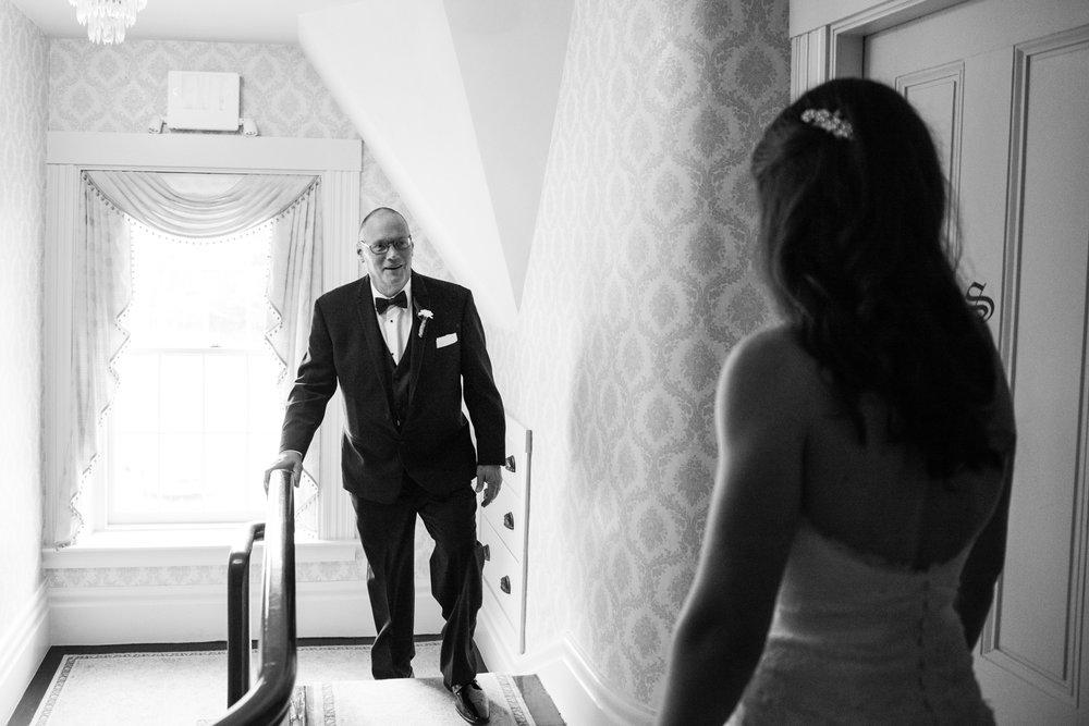 Glimmerstone-Mansion-Vermont-Wedding-Photography-Amanda-Morgan-35.jpg