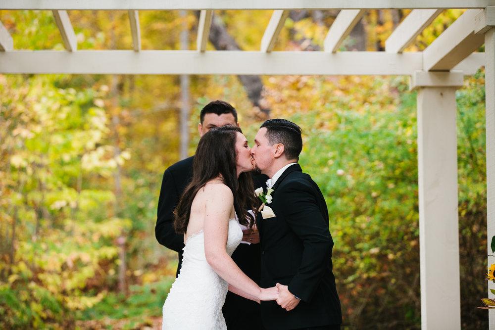 Glimmerstone-Mansion-Vermont-Wedding-Photography-Amanda-Morgan-68.jpg
