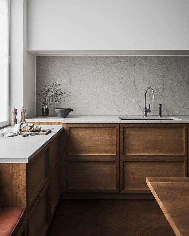 "Last up on my Design Dualities: Playful vs. Serious Interiors is this rich and subtle kitchen design by @liljencrantzdesign 👏🏼🙌🏼👌🏼 ""Serious"" doesn't initially sound like a positive thing when it comes to design, but to me, Serious design is far from stuffy and cold - instead, it's thoughtful, considered, earnest, lofty and detailed. I find so much beauty in the natural, organic simplicity of this space. The lines are clean so that the materials themselves have a chance to shine. What do you think?? Are you coming around to Serious Design?! More inspo in stories! #kitchendesign #kitchengoals #designworthy"