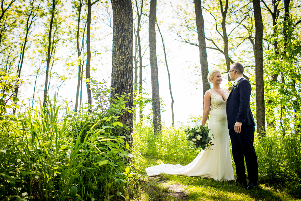 Summeroutdoorgreenerywedding