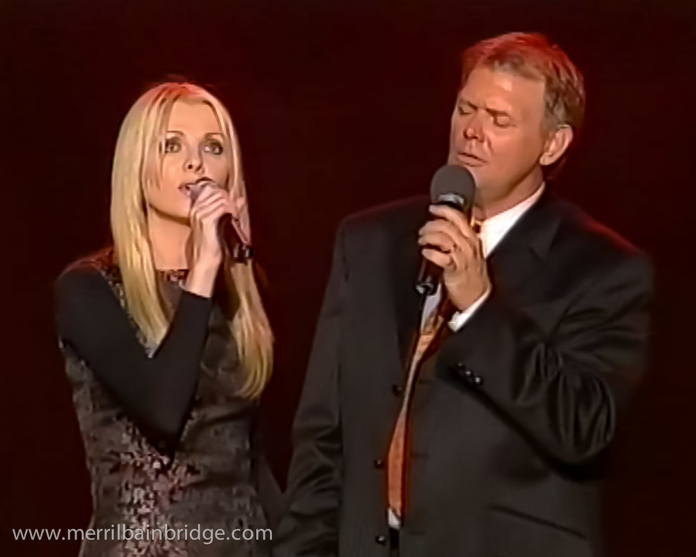 merril-bainbridge-john-farnham-live-on-stage.jpg