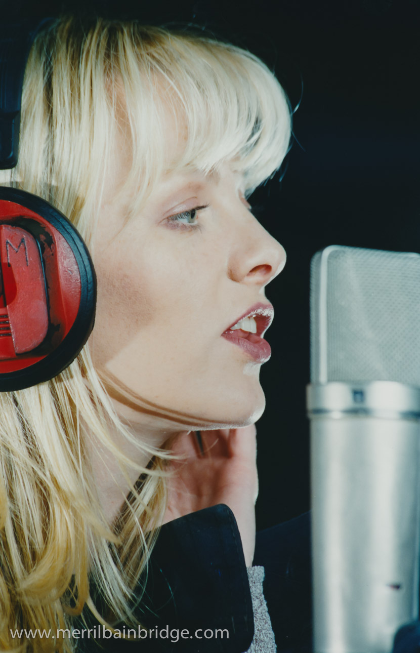 merril-bainbridge-singing-studio-closeuptiff.jpg