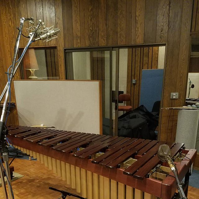 This session brought to you by the power of wood paneling. . . . . . .  #seattlemusic #marimba #70sdecor