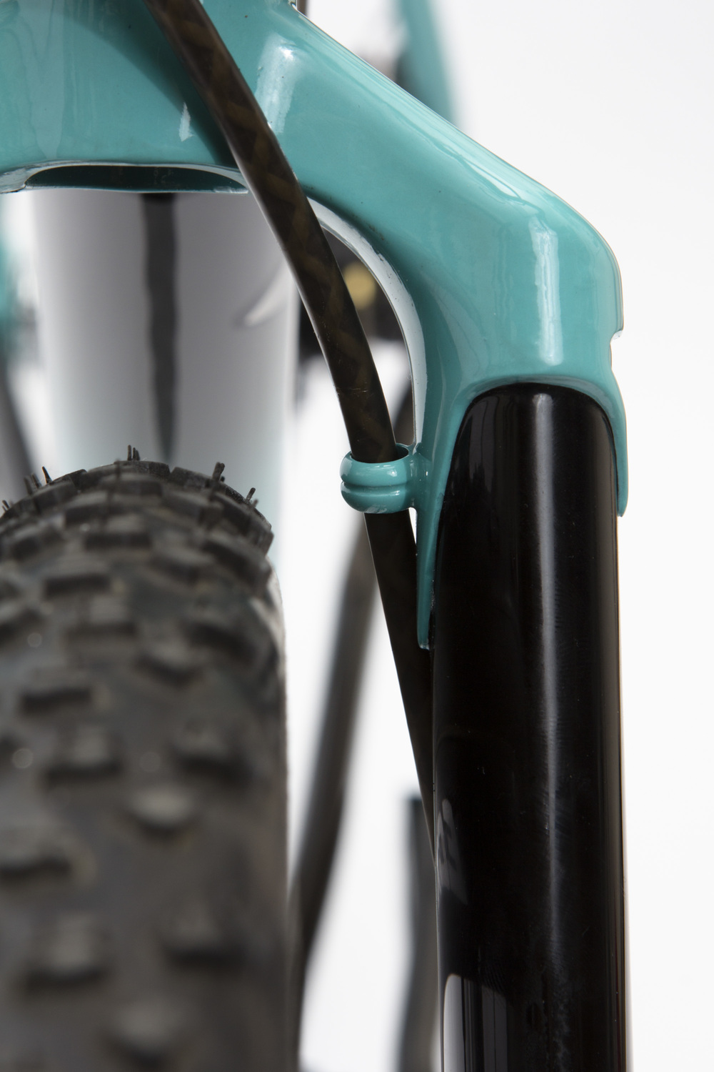 Mars_Cycles_039_fork_cable.jpg