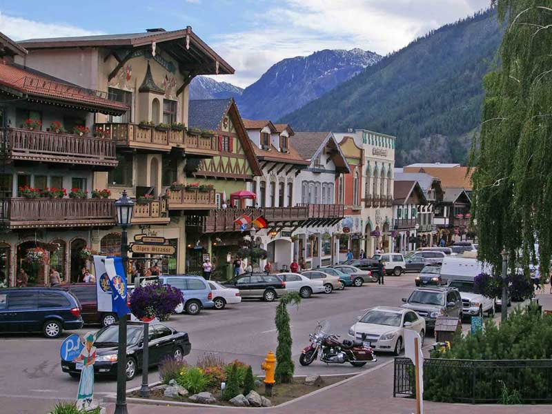 Downtown Leavenworth. Links to Activities.