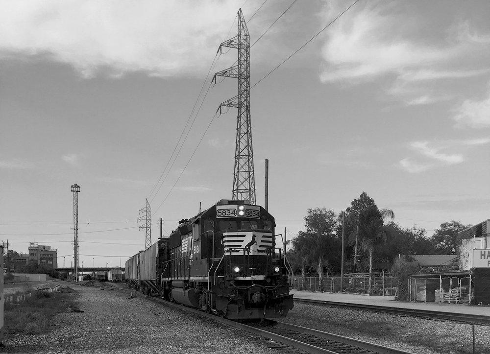 16_04_NOLA_Train.jpg