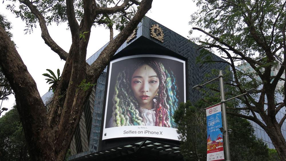 kllylmrck_selfiesoniphonex_knightsbridge-singapore-apple-store.jpg