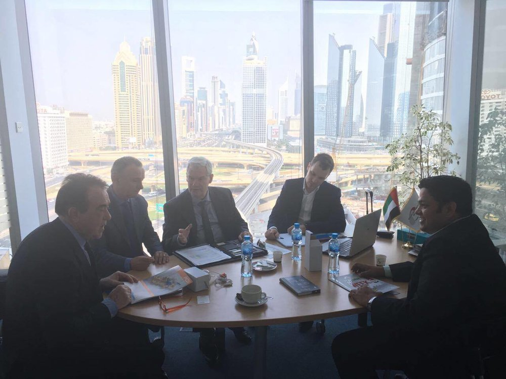 Meeting di lavoro alla Camera di Commercio Italiana di Dubai. Presenti da sinistra: Giuseppe Ronchi, Mauro Marzocchi, Ugo Pettinaroli, Luca Pettinaroli,Umesh Nair del 23 Novembre 2016.