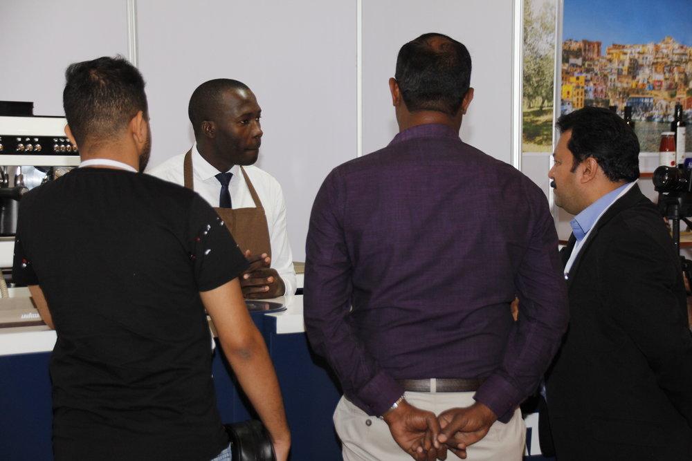 Alcuni visitatori allo stand Lavazza, espositore e sponsor di BuonaItalia Trade Show.