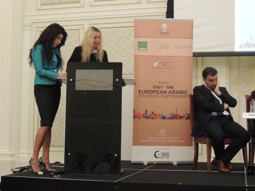Alcuni momenti dell'intervista ai rappresentanti delle aziende italiane presenti all'evento.  In foto: Camilla Francesca Martra che rivolge le domande ai presenti, supportata da Nabila Zayati, responsabile dell'evento per ANSA.