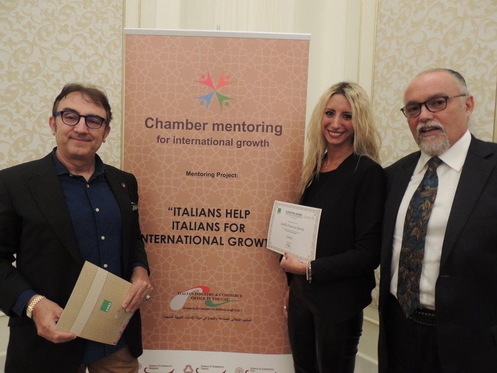 In foto: Giuseppe Meli, Presidente della societa' Dante Alighieri Dubai, Camilla Francesca Martra (IICUAE) e Raffaele Rognoni, General Manager di Portofino Mare Service.