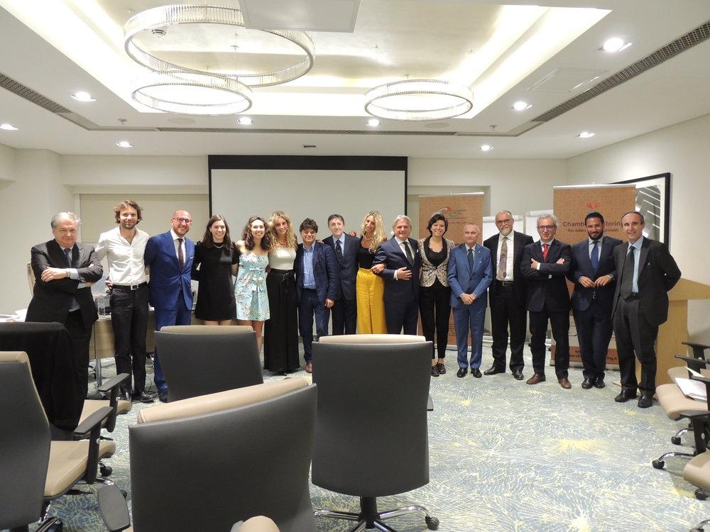 Foto di gruppo con BoD, staff della Camera ed ospiti dell'Assemblea Generale.