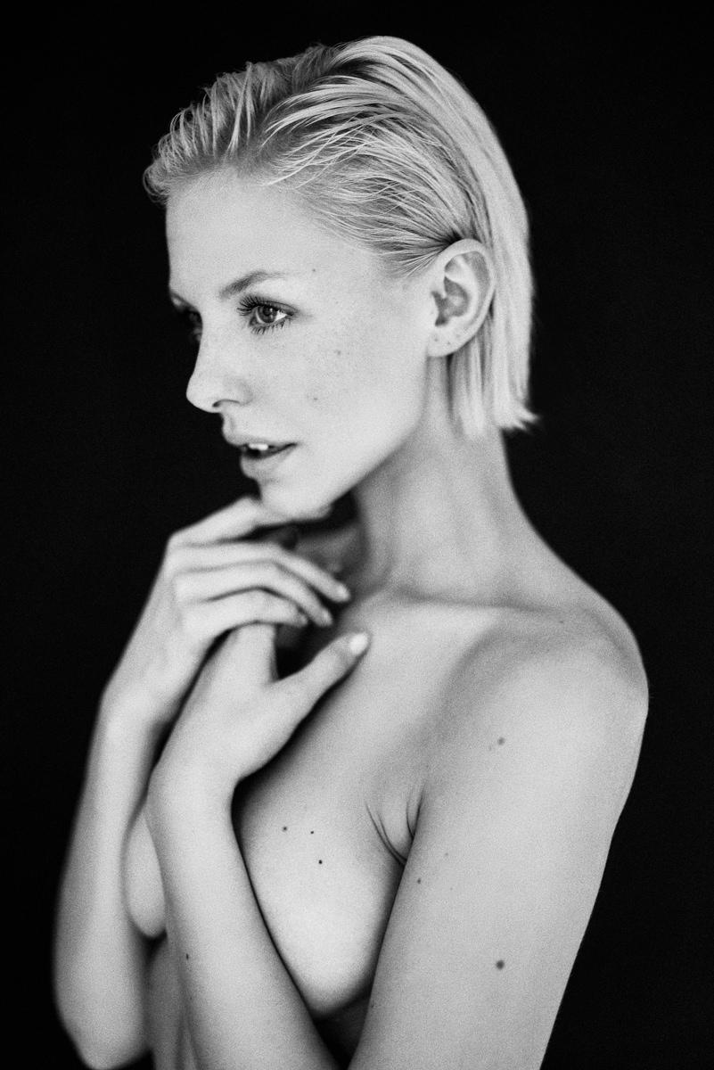 Carolin by Moritz Fuchs