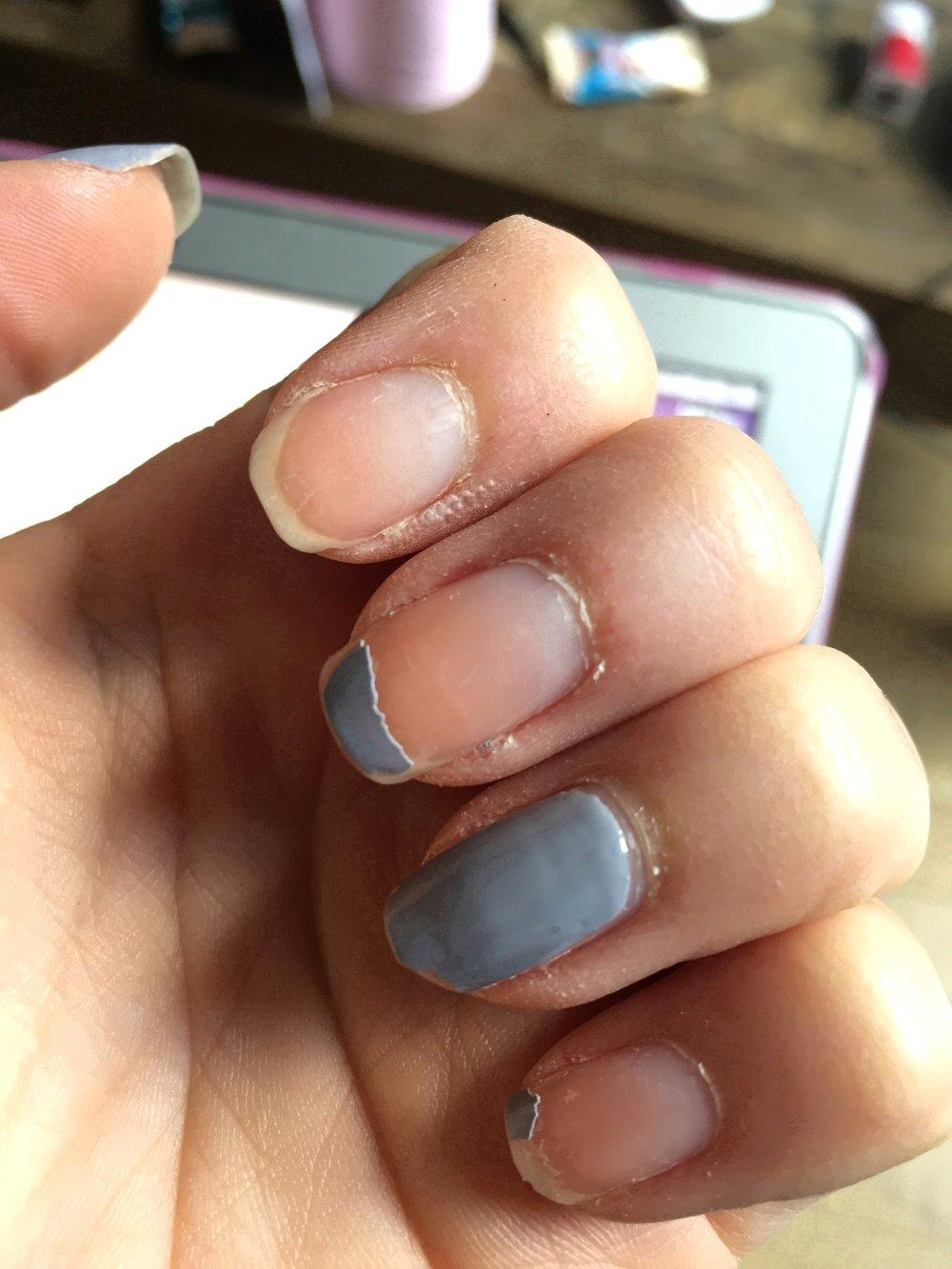 État des mes ongles une fois le vernis enlevé: le dessus de mes ongles est impeccable!