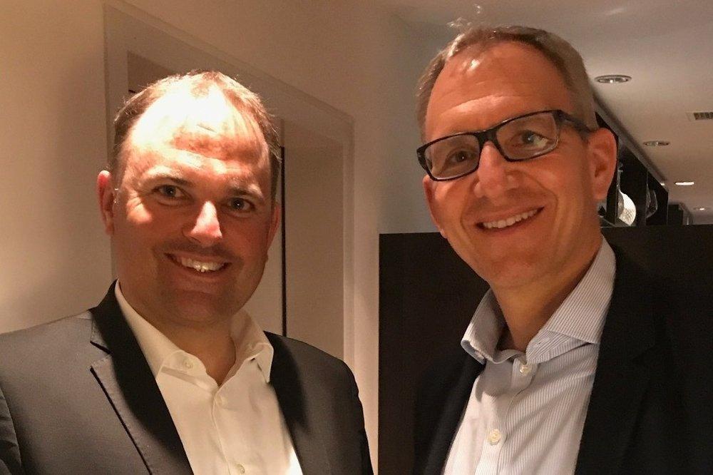 Nationalrat Marcel Dettling und Ortsparteipräsident Oliver Flühler anlässlich der Generalversammlung der SVP Freienbach vom 28. März 2019
