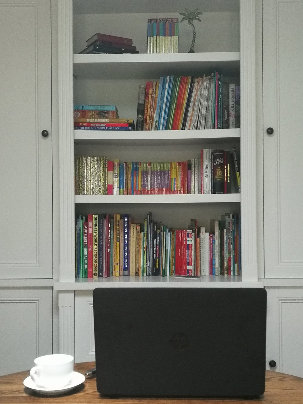 childs bookshelf