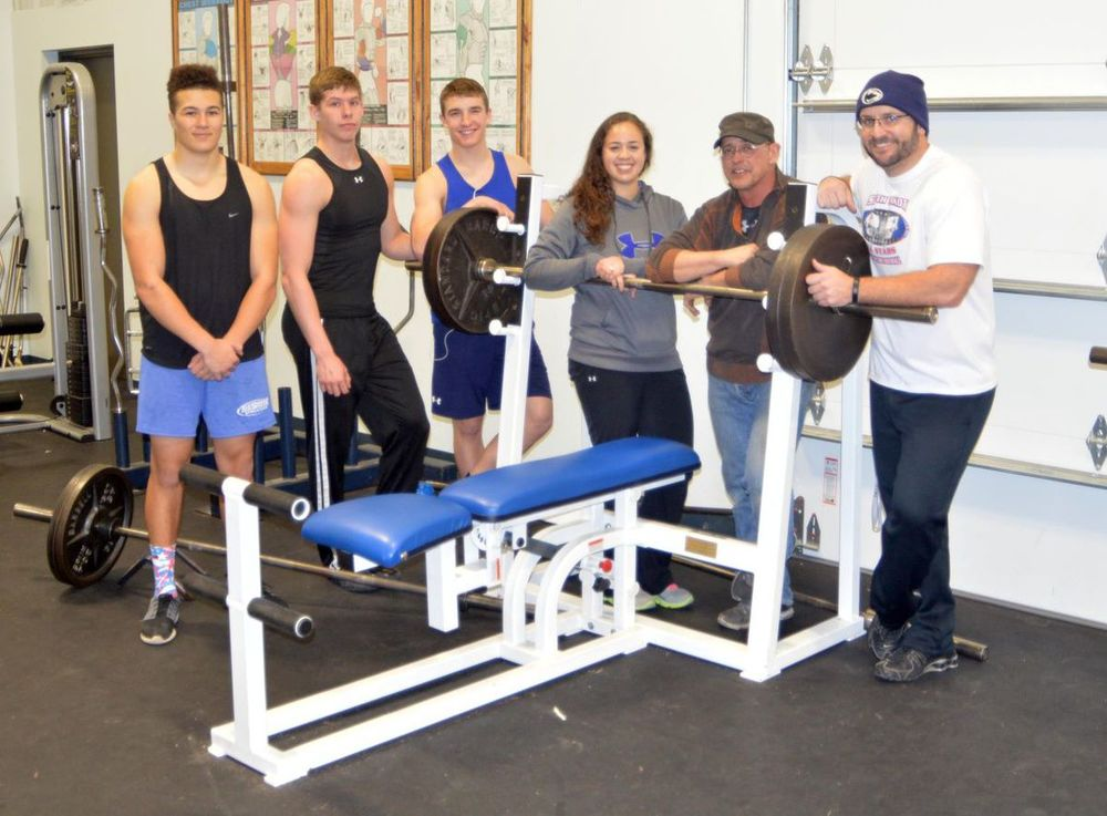 2015: Hot Springs Bison Booster Club donates weight benches to school