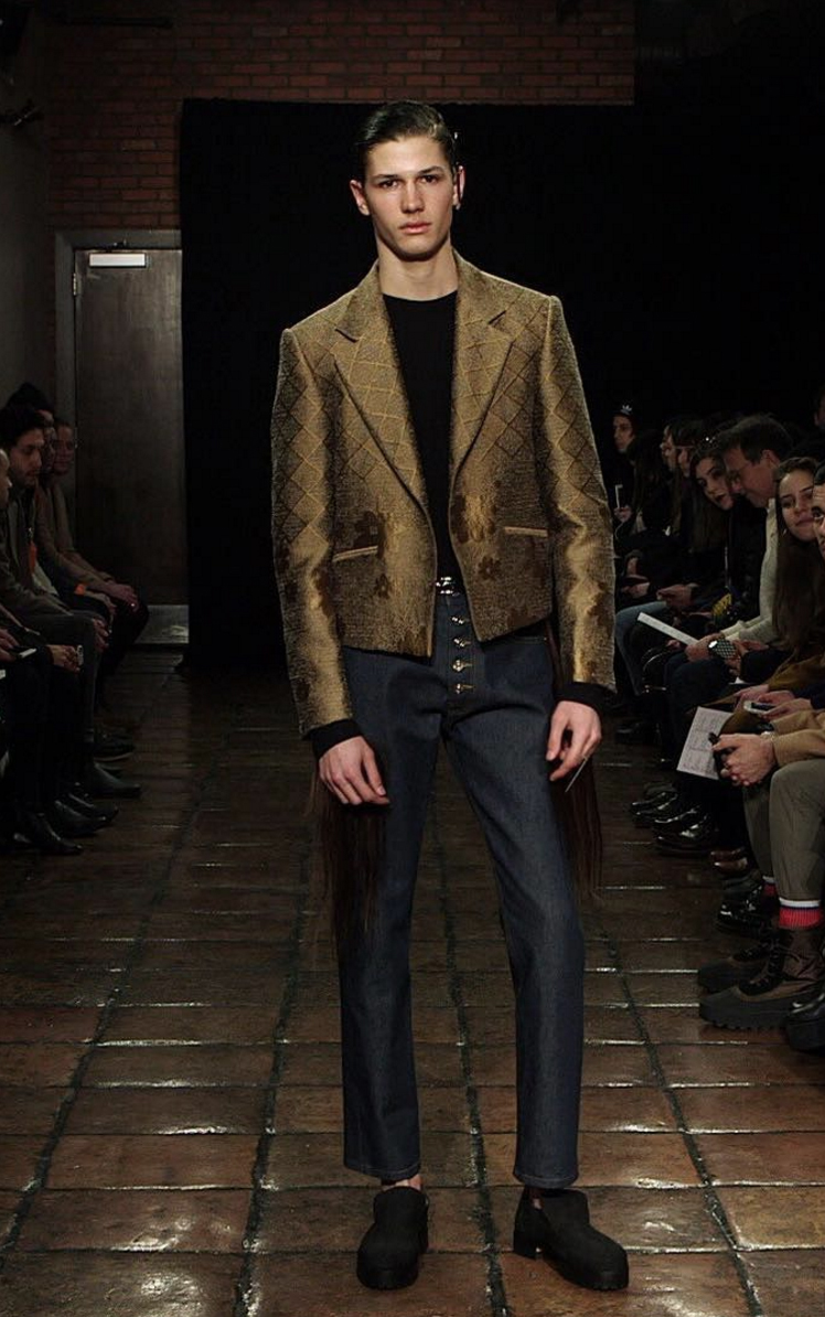 Look 19 in the Linder show