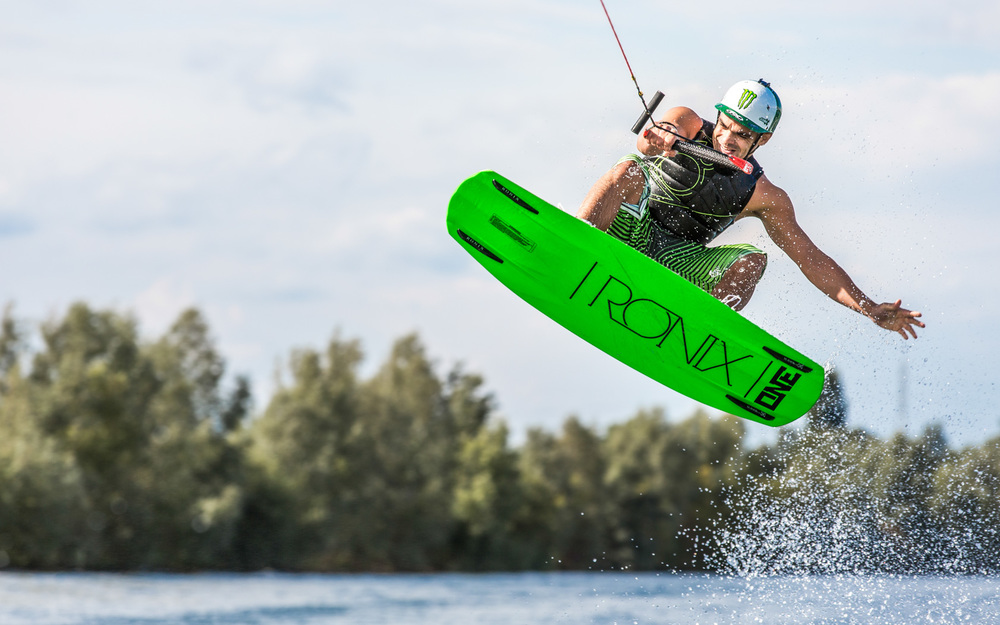 divers-wakeboard.jpg
