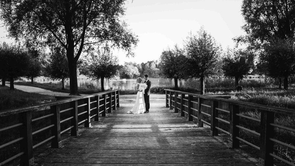 seance-photo-couple-noir-et-blanc.jpg