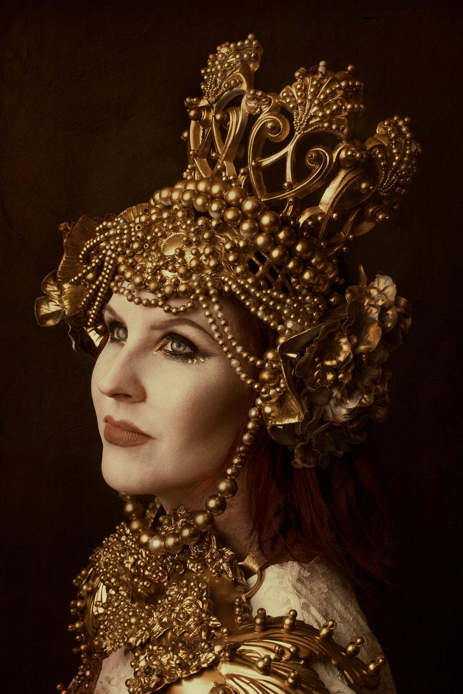 GoldQueen1.jpg