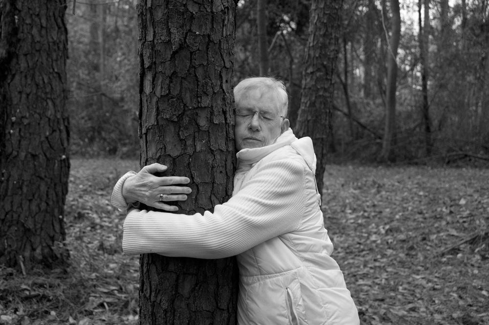 mom hugging tree 024.jpg