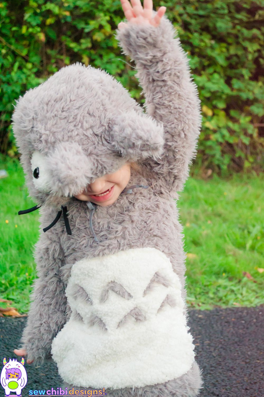 Chibi cosplay of from My Neighbor Totoro sewn by Sew Chibi Designs for Halloween featuring the Bimaa Sweater PDF pattern