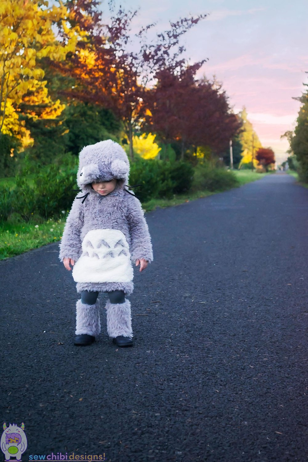 Chibi cosplay of Totoro from My Neighbor Totoro sewn by Sew Chibi Designs for Halloween featuring the Bimaa Sweater PDF pattern