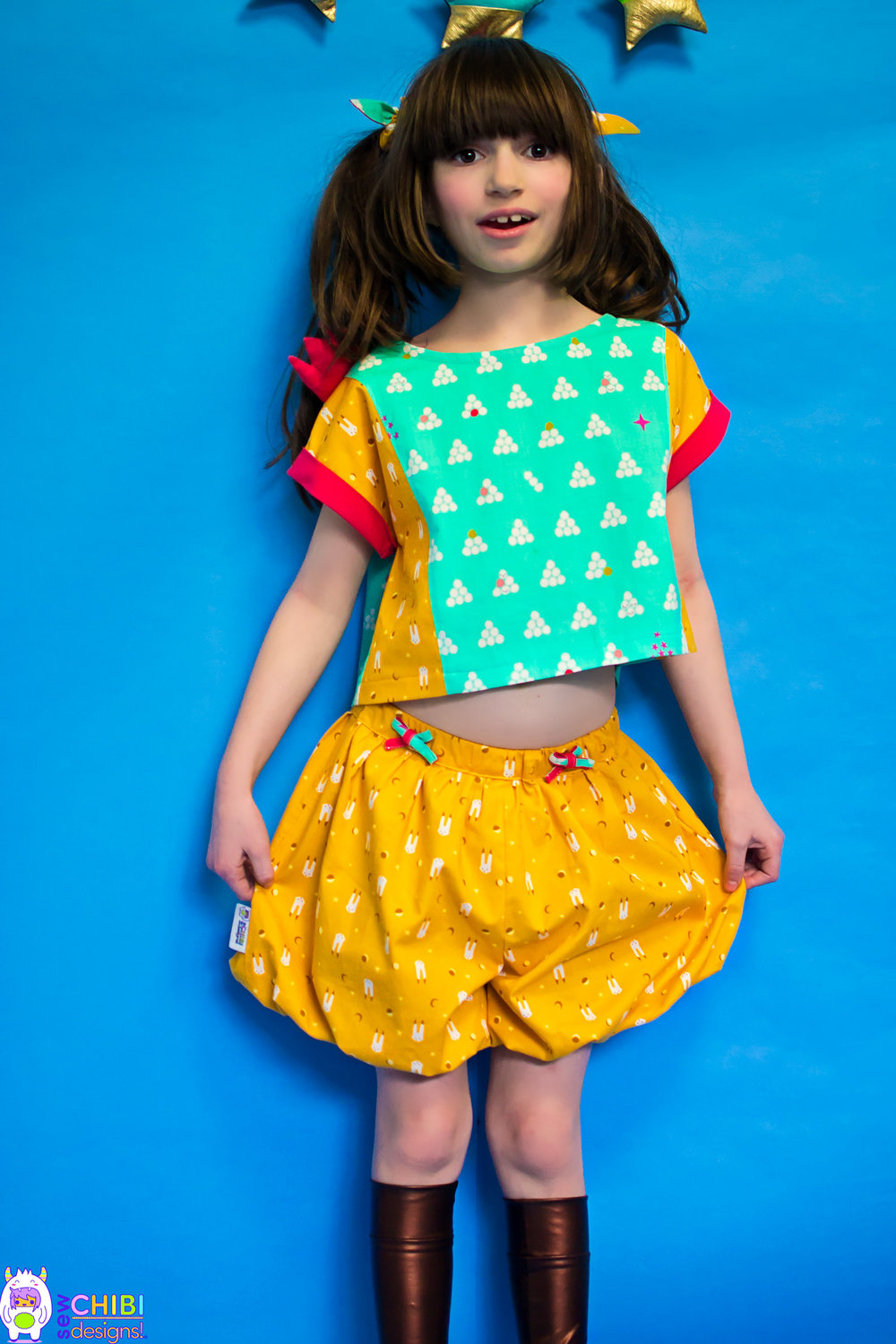 this ZOU Playset has: - •contrast side panels,arm cuffs and plackets•little puff crown•ties[size 8Y shown here]