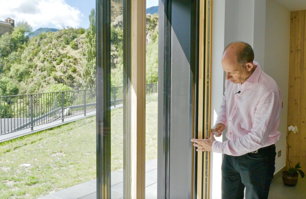 Jordi Llovera (PhD Engineer) in the passive house in Encamp, made by  Enginesa.